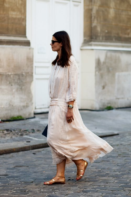 Woman in white Paris. Image courtesy of The Sartorialist blog.